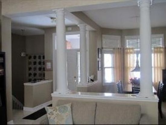 4 Augusta Ct, Lake In The Hills, IL 60156
