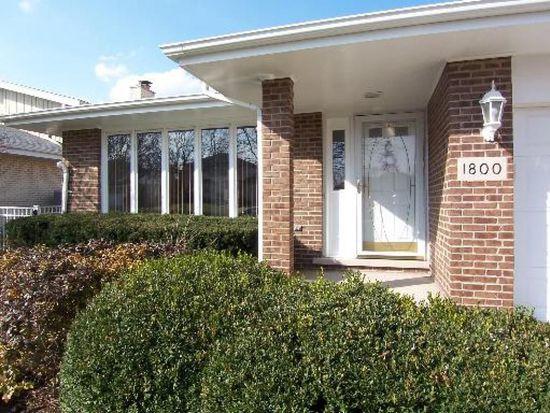 1800 Essex Pl, Downers Grove, IL 60516