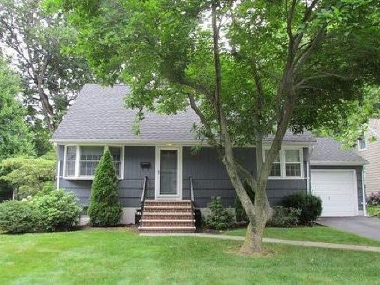 37 Oakland Ave, West Caldwell, NJ 07006