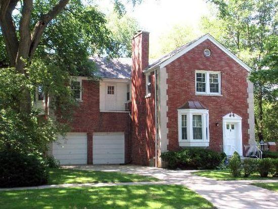 305 Maplewood Rd, Riverside, IL 60546