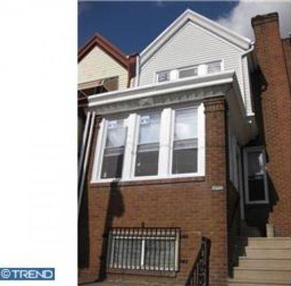 585 1/2 Alcott St, Philadelphia, PA 19120