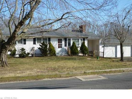 870 Atkins St, Middletown, CT 06457