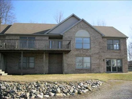 9249 N Paradise Beach Dr, Monticello, IN 47960