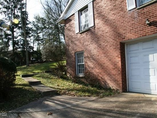 1704 Rolling Hills Rd, Charleston, WV 25314