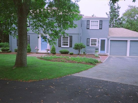 49 Hawthorne Ave, Barrington, RI 02806