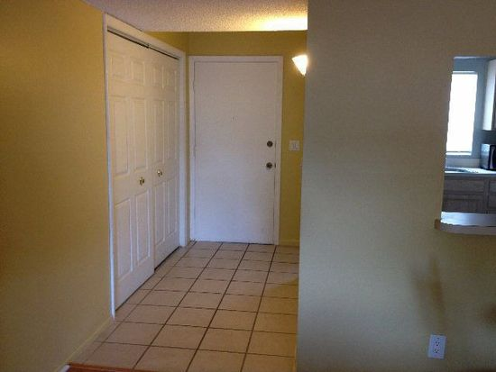 14421 Americana Cir APT 105, Tampa, FL 33613