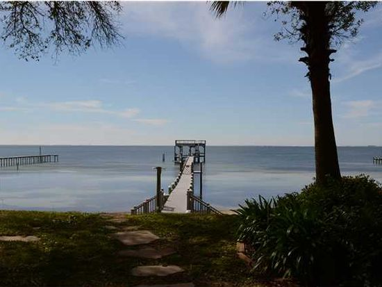 115 Shoreline Dr, Gulf Breeze, FL 32561