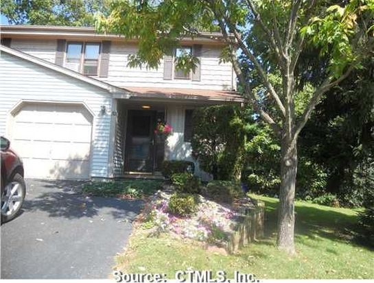 52 Schoolhouse Xing, Wethersfield, CT 06109