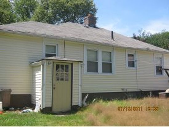 328 Colonial Dr, Portsmouth, NH 03801