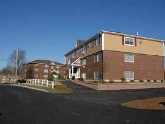 3951 Old Brown Ave APT 103, Manchester, NH 03103