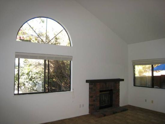 17 Picadilly Ct, San Rafael, CA 94903