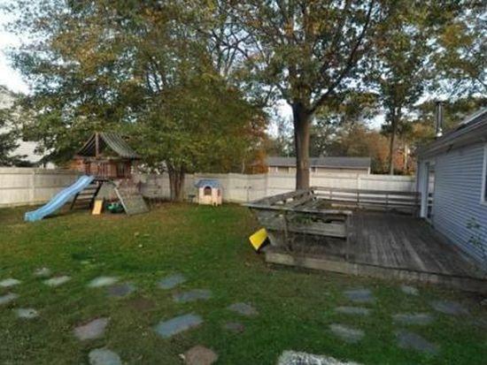 1 Middle Hwy, Barrington, RI 02806