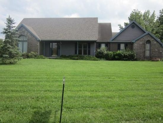 1605 W Monique Dr, Scottsburg, IN 47170