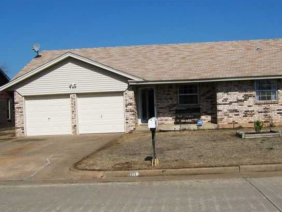 713 SW 12th St, Moore, OK 73160