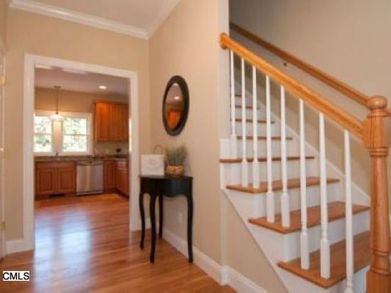 3 Galloping Hill Rd, Bethel, CT 06801