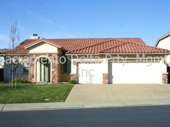 9732 Country Falls Ln, Elk Grove, CA 95757