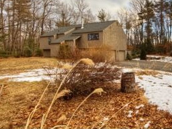 57 Redfield Cir, Derry, NH 03038