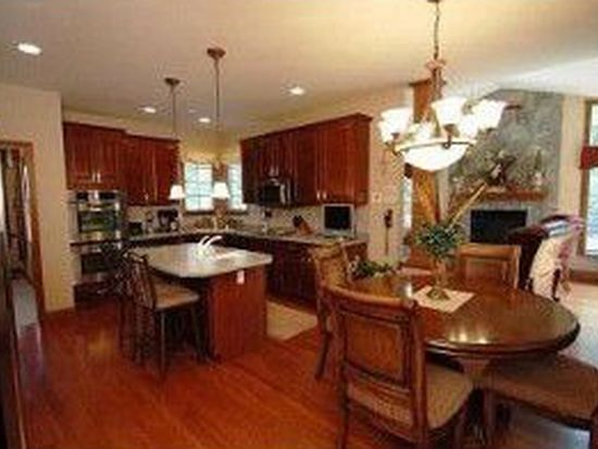 9527 Harpers Ferry Dr, Florence, KY 41042