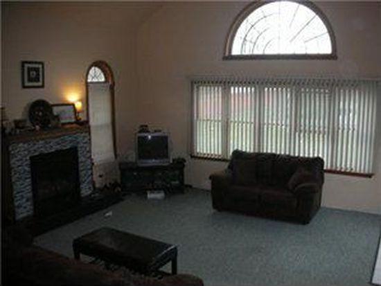 5710 Oak Ln, Lockport, NY 14094