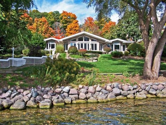 N2430 Forest Rest Ln, Lake Geneva, WI 53147