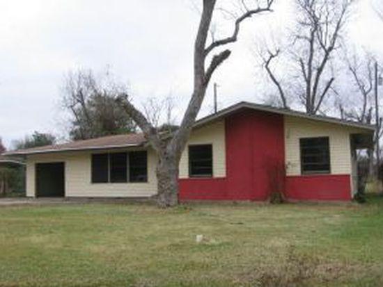 2420 Bradford St, West Orange, TX 77630