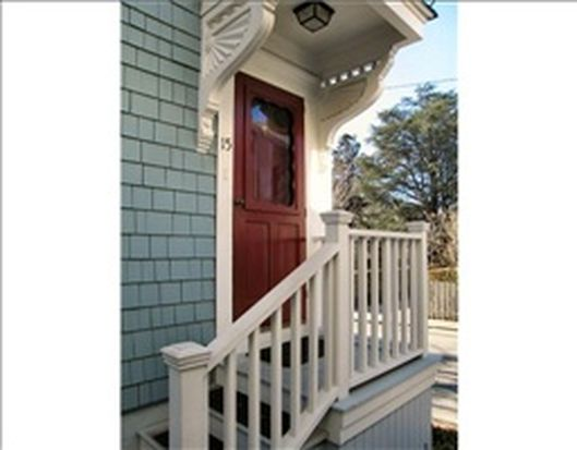 15 Cross St, Newport, RI 02840