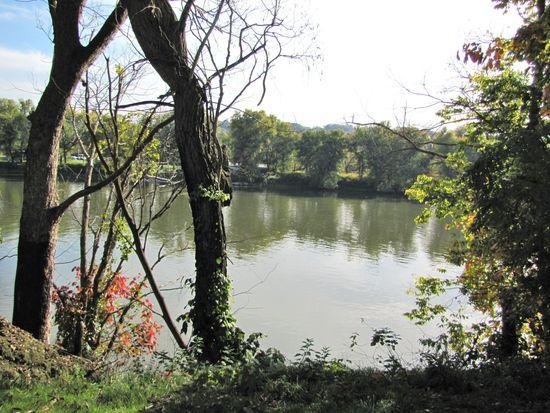 98 Oak Ln, Pittsburgh, PA 15225