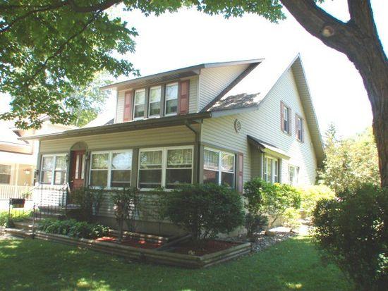 220 W Emerson St, Ithaca, MI 48847