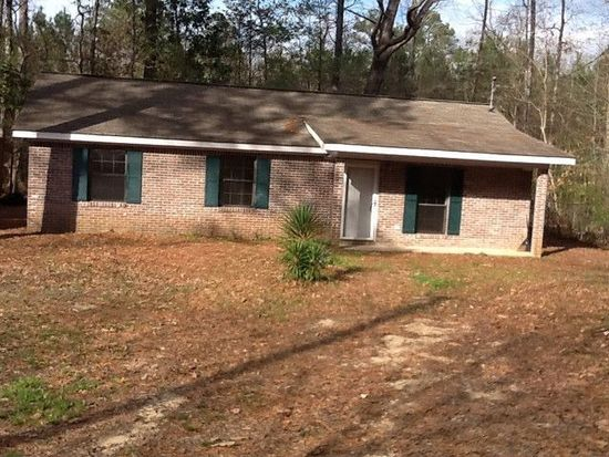 207 Clarence Ray Dr, Hattiesburg, MS 39402