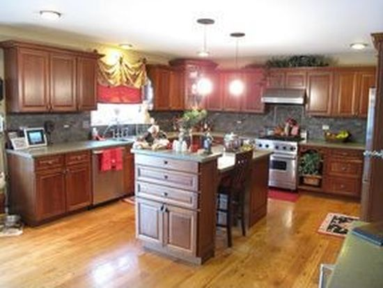 22350 Jeanette Ct, Frankfort, IL 60423