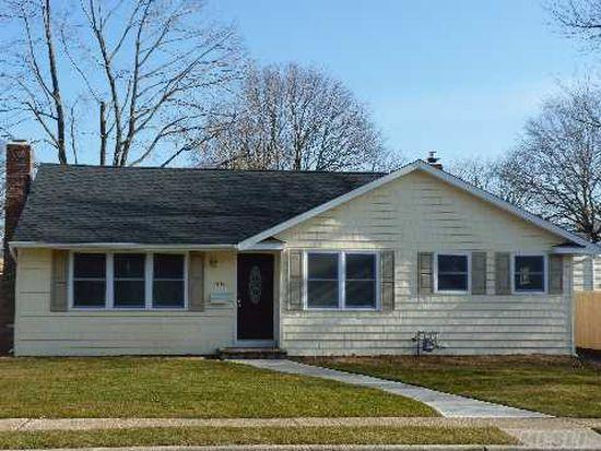 1645 Pinewood Rd, Seaford, NY 11783