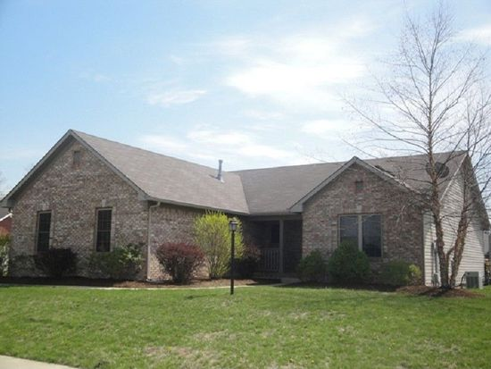 1403 Shannon Lakes Dr, Indianapolis, IN 46217