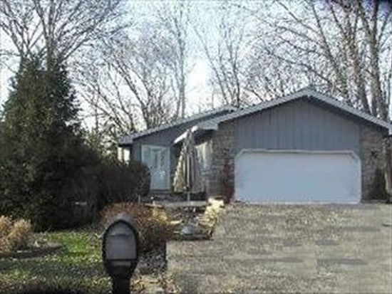 327 Rosedale Dr, Lakemoor, IL 60051