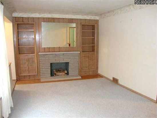 3301 Clague Rd, North Olmsted, OH 44070
