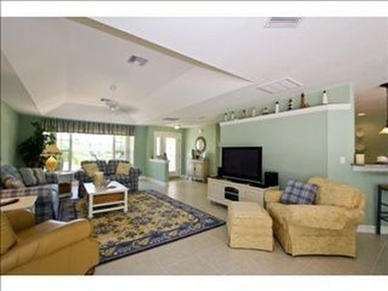 6352 Cocos Dr, Fort Myers, FL 33908