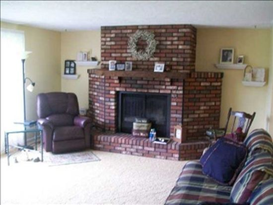 210 Orchard Ln, Alexandria, IN 46001