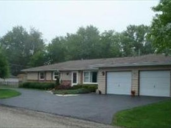 7121 Sunset Dr, Crystal Lake, IL 60014