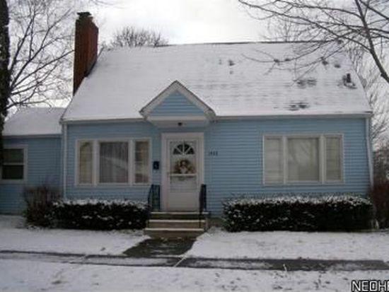 1933 Hillside Ter, Akron, OH 44305