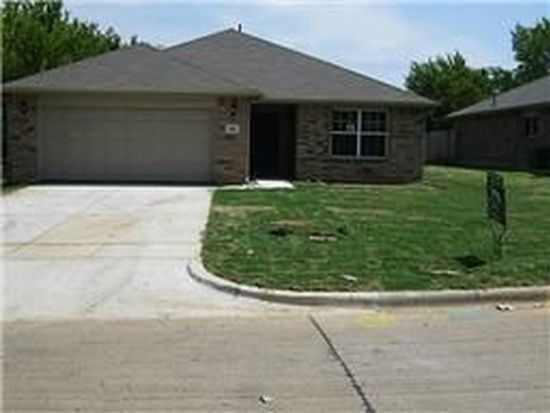 333 Cotton Dr, Mansfield, TX 76063