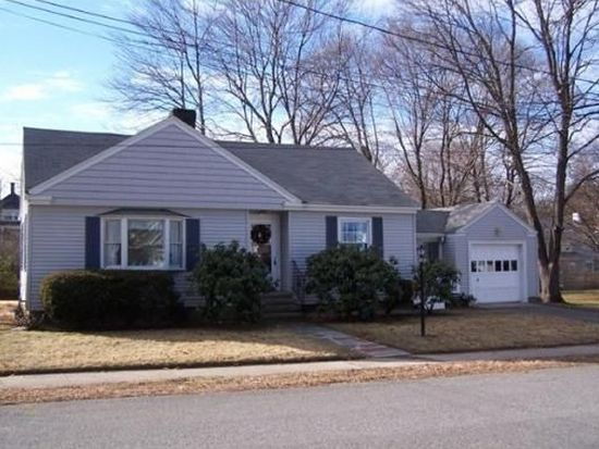 39 Richardson Ave, North Andover, MA 01845