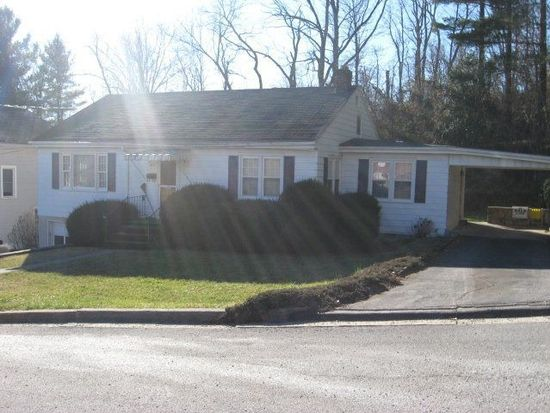 109 Maple St, Bluefield, VA 24605