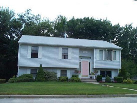11 Hickory Ln, Lincoln, RI 02865