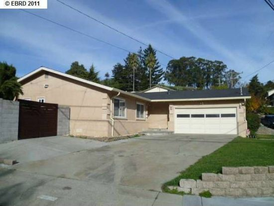 2700 Jennifer Dr, Castro Valley, CA 94546