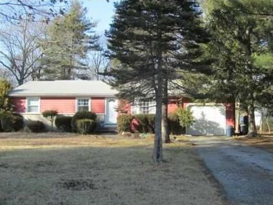 22 Woodland Dr, North Kingstown, RI 02852