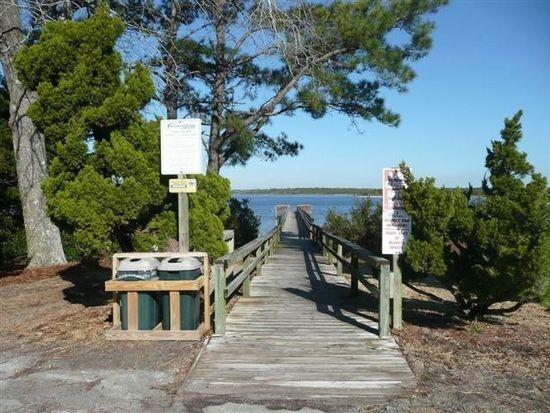 418 Wild Cherry Ln, Emerald Isle, NC 28594