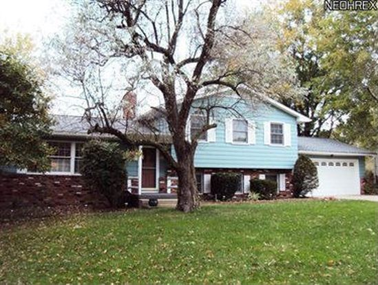 7946 Twin Oaks Dr, Broadview Heights, OH 44147