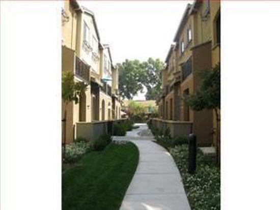 586 Almaden Walk Loop, San Jose, CA 95125