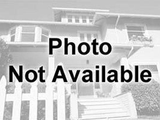 1667 S Green Meadows Blvd, Streamwood, IL 60107