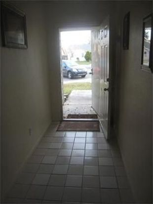 390 Bright Day Dr, Woodland, CA 95695