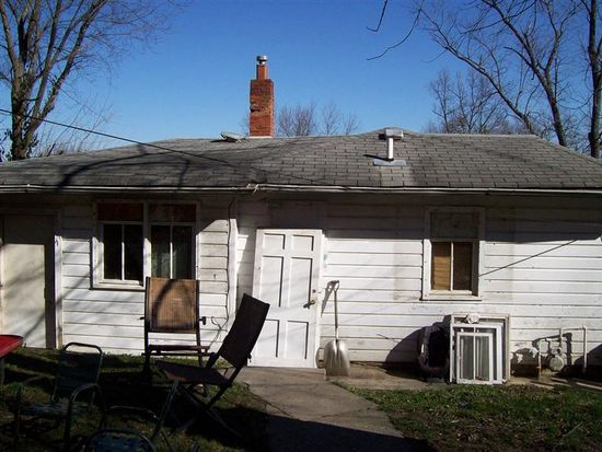 704 Boiling Spring Rd, New Albany, IN 47150